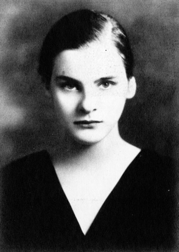 Mary McCarthy in the 1933 Vassarian. Courtesy of Vassar College.
