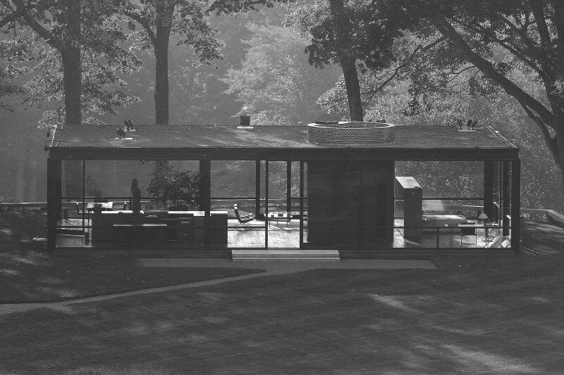 Christopher Peterson, <em>The Glass House in New Canaan, Connecticut</em>. Courtesy of Christopher Peterson, Creative Commons