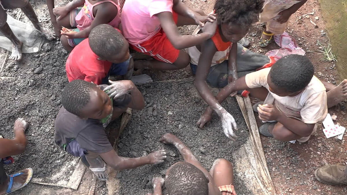Children working in a Congolese cobalt mine. Photo: Sky News.