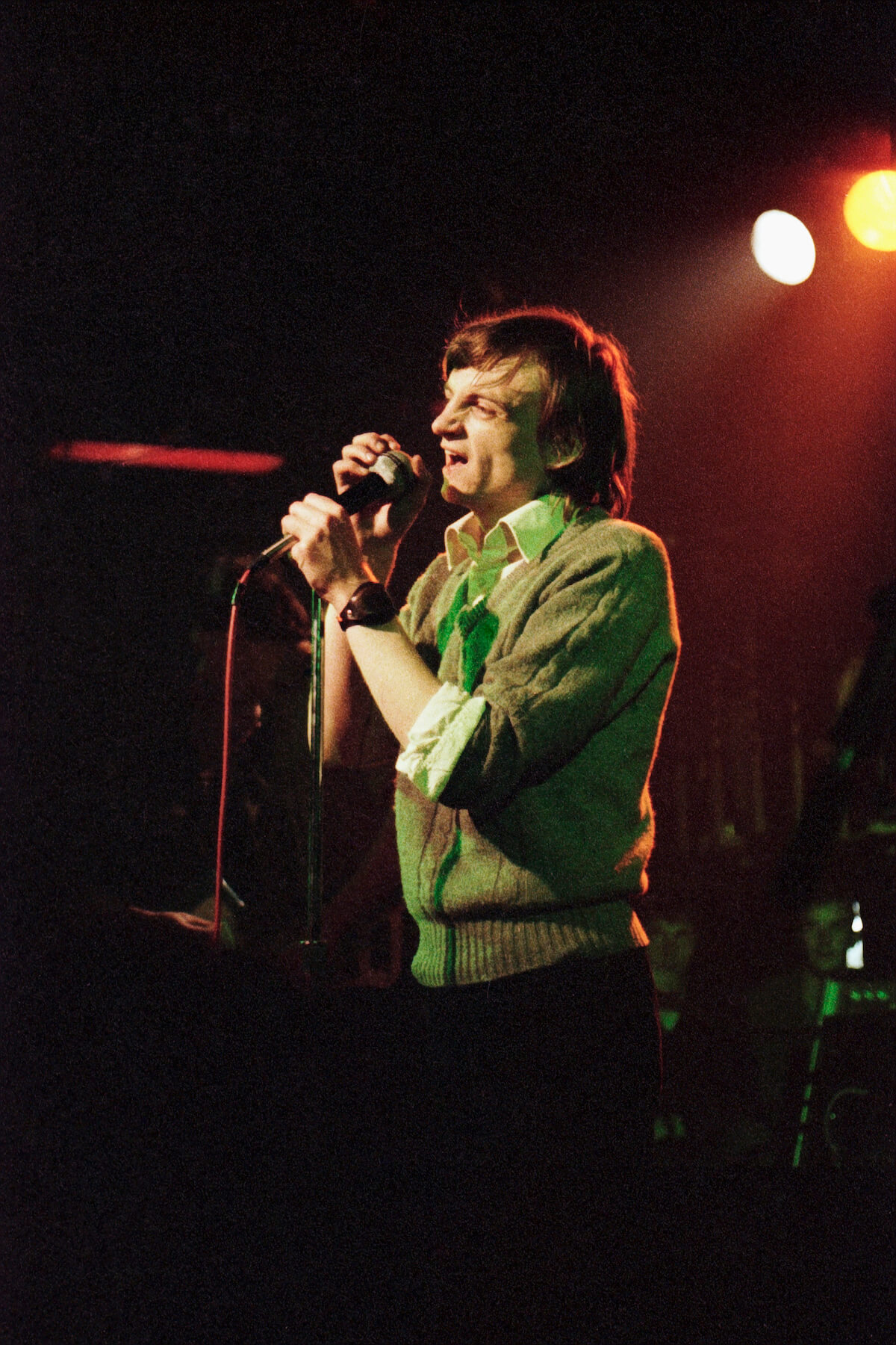 Mark E. Smith performing at Auckland's Mainstreet Cabaret, in August 1982. Photo: Jonathan Ganley.