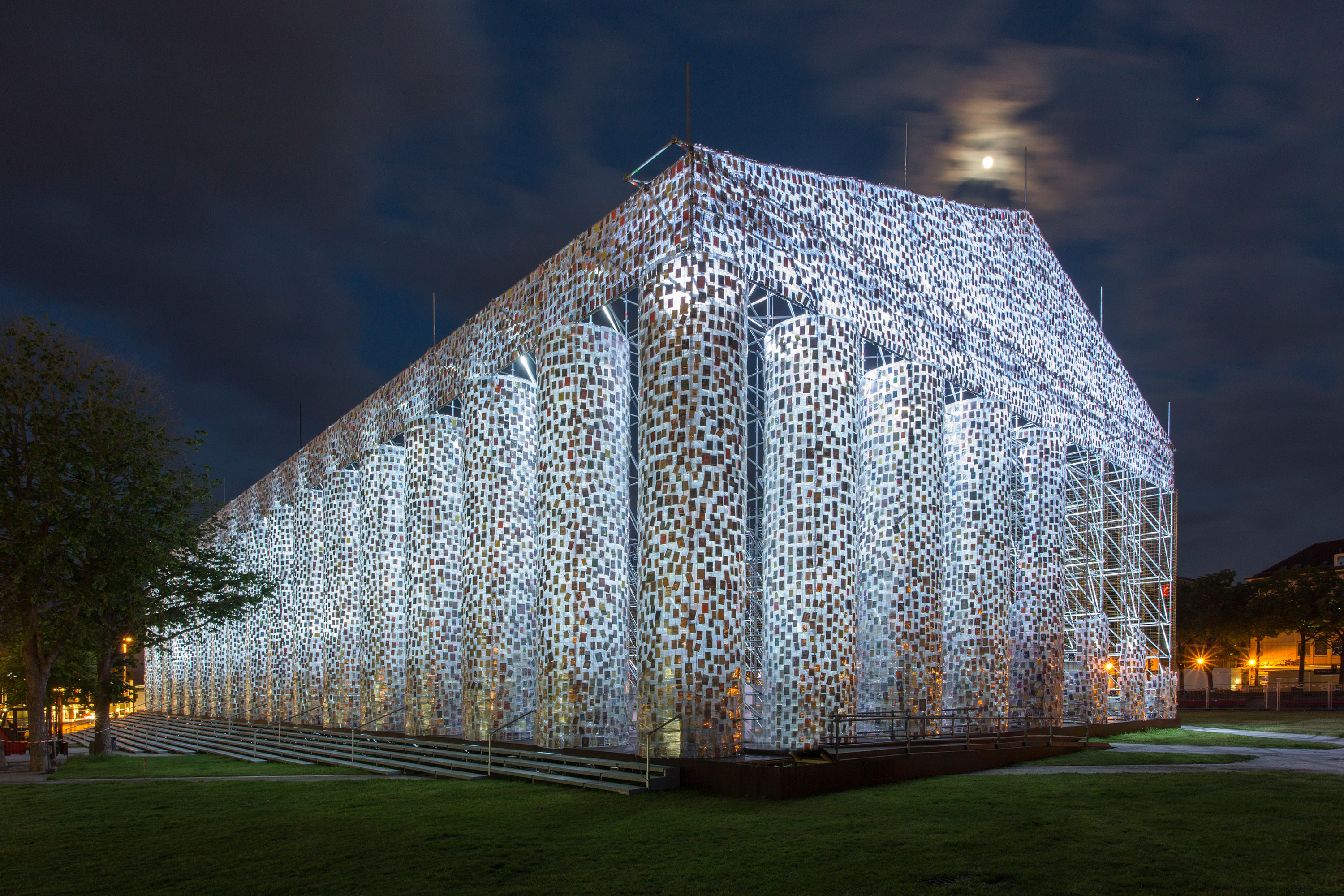 Marta Minujín, <em>The Parthenon of Books</em>, 2017. Steel, books, and plastic sheeting, Friedrichsplatz, Kassel. Photo: Roman März