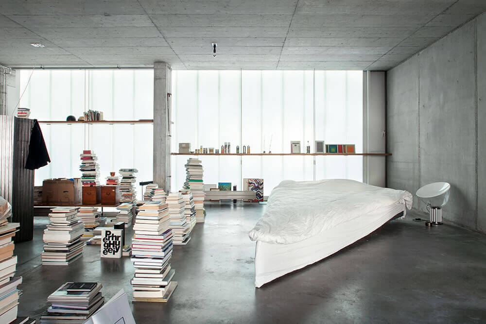 <em>Triangular Bed</em>, June-14 Meyer-Grohbrügge & Chermayeff. Photo: Luca Girardini.
